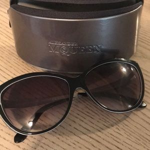 72199d05a39 Alexander McQueen Sunglasses for Women